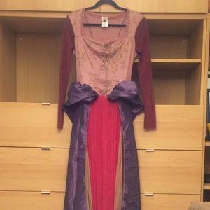 Disney Sarah Sanderson Hocus Pocus witch costume